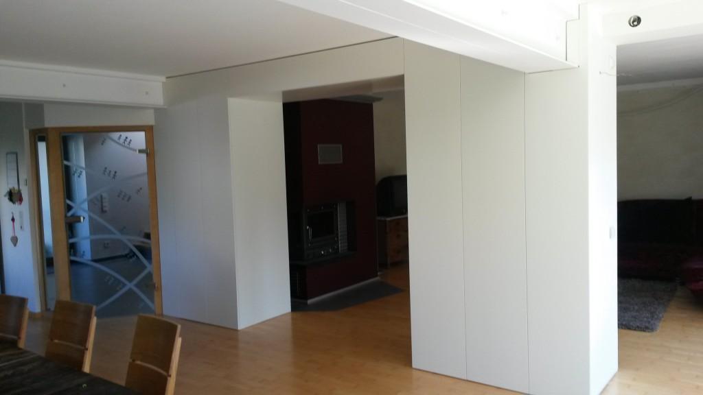 Raumtrenner & Wandschrank