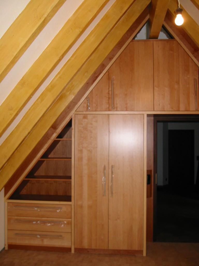 Einbauschrank Dachgeschoss