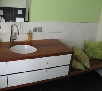 Holz im Badezimmer – Geht das?